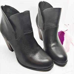 Size 9.5 | Gianni Bini Leather Bootie Stacked Heel